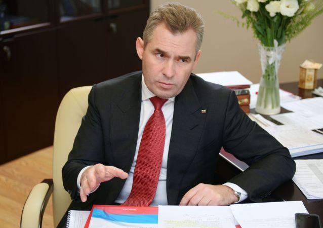 俄联邦总统儿童权利特派代表巴维尔·阿斯塔霍夫