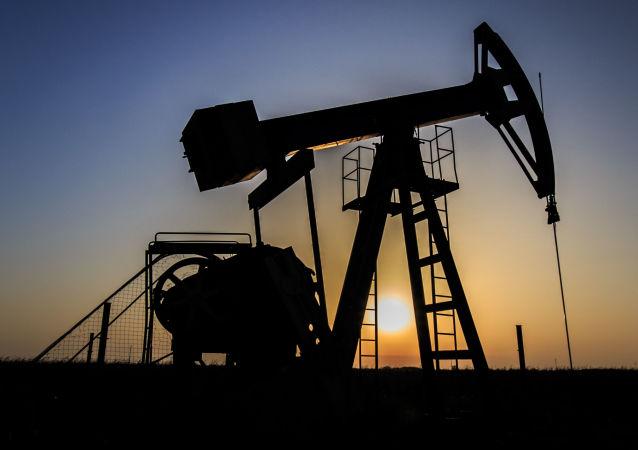 伊拉克石油部受命启动与卢克合作以提高原油产量