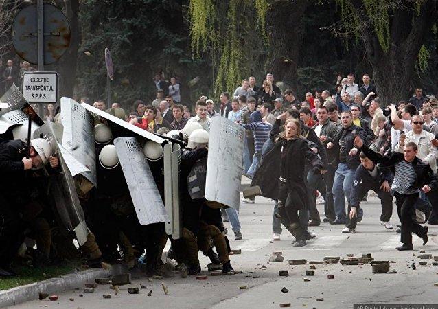 外媒:希腊示威者在与土耳其边界制造骚乱
