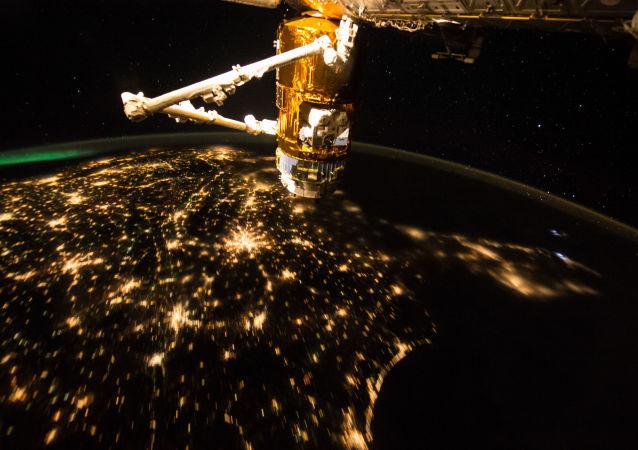 """""""联盟TMA-19M""""号飞船乘务组登上国际空间站"""