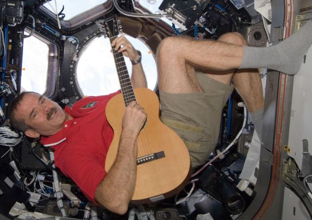 加拿大宇航员克里斯•哈德菲尔德