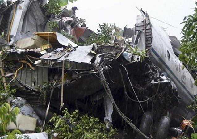 南苏丹空军证实1名俄罗斯人和5名亚美尼亚人在安-12飞机失事中丧生
