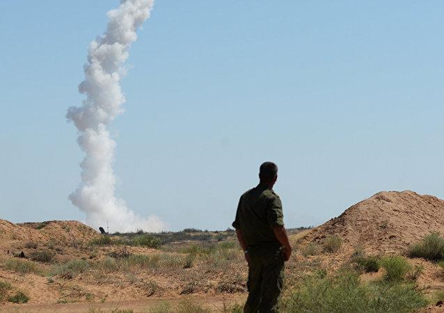 沙特防空力量在利雅德上空击毁弹道导弹