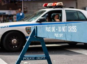 美国科罗拉多斯普林斯市发生枪击案,造成3人死亡,其中包括一名警察