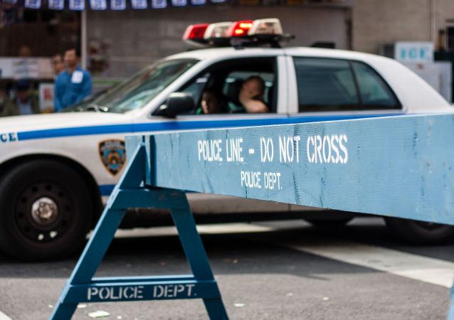美国警察在追赶罪犯时开枪打死了他的孩子