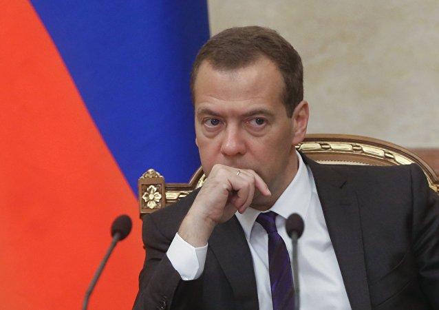 俄总理:无人驾驶汽车的研制需要取得成果