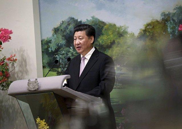 习近平呼吁和平解决中国南海问题