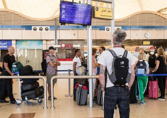 莫斯科机场20多架航班取消或晚点