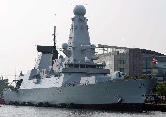 """英国皇家海军的""""邓肯""""号驱逐舰"""