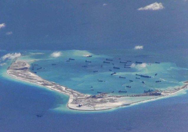 """中国外交部:在南海问题上美方不应停留在""""过去的世界""""里"""