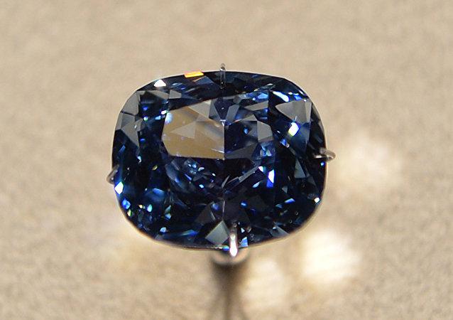 媒体:中国富商拍下世界最贵钻石
