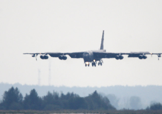 """媒体:美国将派遣B-52轰炸机打击""""伊斯兰国"""""""