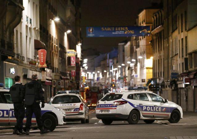 美中情局局长:巴黎恐袭数日前情报部门已知袭击可能