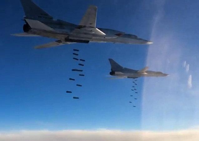 """俄总参谋部:反""""伊斯兰国""""的叙利亚反对派正协助俄战机"""