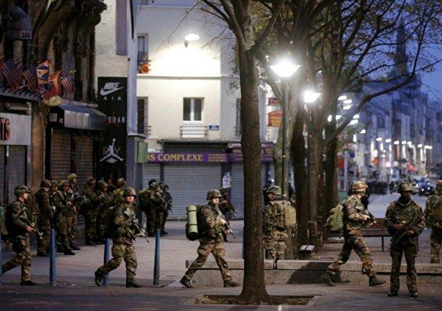 十几名法国警察在反对勒庞到访南特市的抗议期间受伤