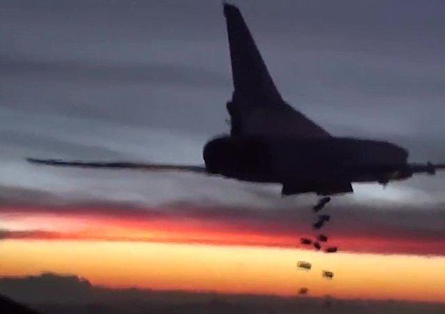 """专家:从伊朗起飞将俄轰炸机打击""""伊斯兰国""""效率提高2倍"""