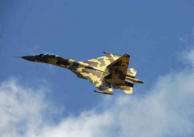 Su-35战机