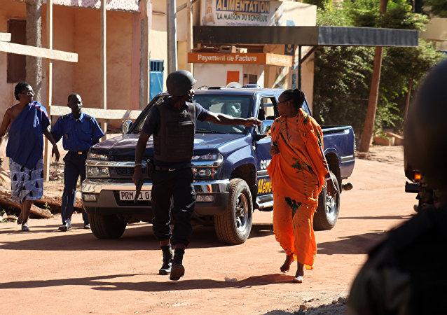 马里首都被劫持的宾馆内已经没有人质