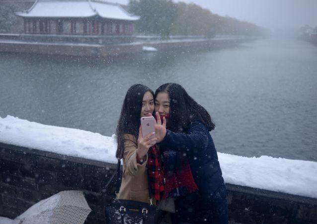 很多中国人因新年假期后天气恶劣无法回家