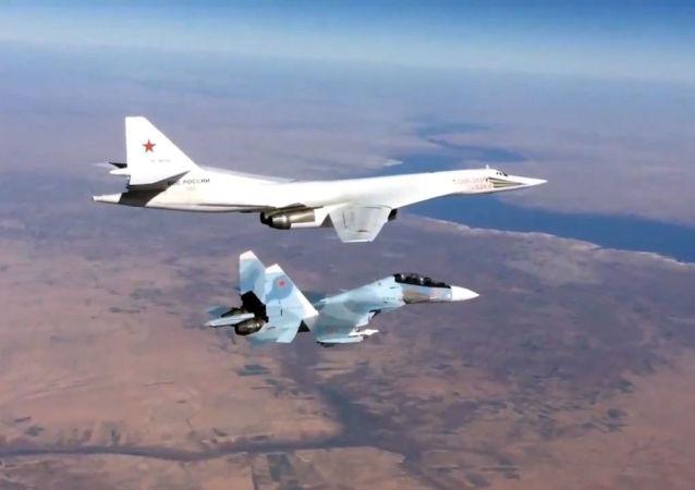 苏-30和 图-160