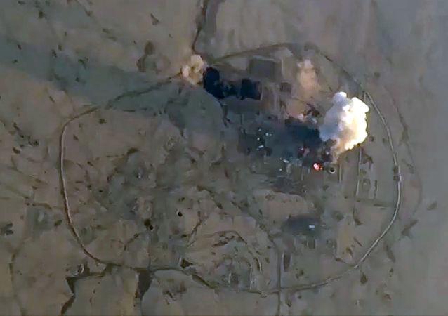 俄罗斯空军在一周中对恐怖分子的1458个对象进行了精准打击