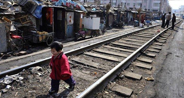 中国官员:取消城乡户籍差异对脱贫攻坚非常重要