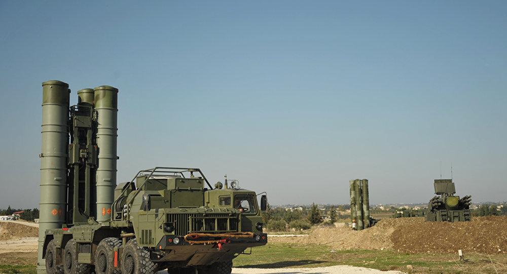 """防空导弹""""凯旋""""S-400在滨海边疆区开始战斗值班"""