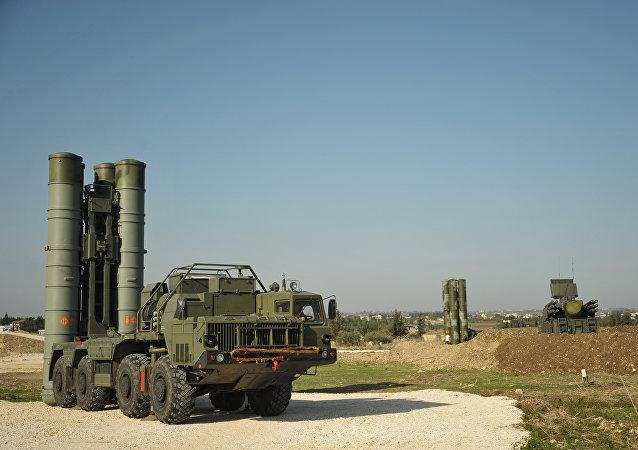 普京:向印度供应S-400导弹交易金额达数十亿美元
