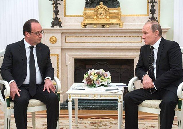 俄总统普京表示,俄军加强了在叙利亚的行动,战斗取得很好的效果,恐怖分子损失惨重