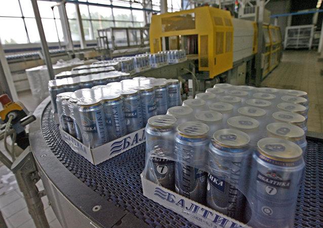 """""""波罗的海""""啤酒公司哈巴罗夫斯克分厂对华啤酒供应量增加一倍 达106万升"""