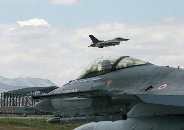 土耳其战斗机