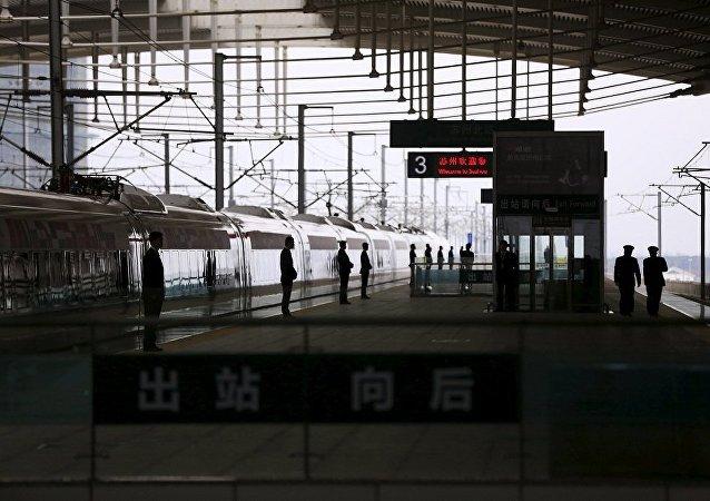 中国至伊朗首次货运试行列车已开往伊朗