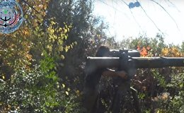俄RT电视台记者在叙利亚遭人使用美军武器袭击