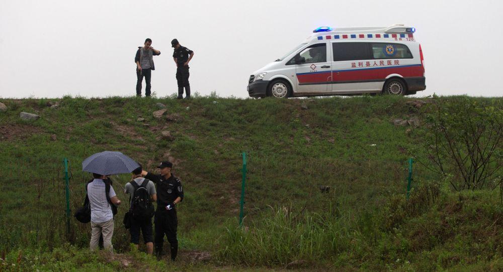 云南省一辆卡车撞上小巴:四人死亡