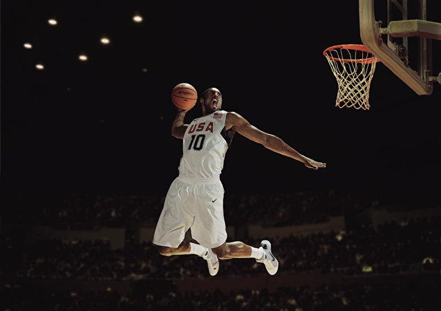 NBA五冠王科比宣布本赛季末退役