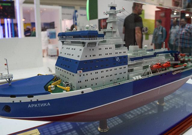 """22220项目双吃水深度的""""北极""""号核动力通用破冰船"""