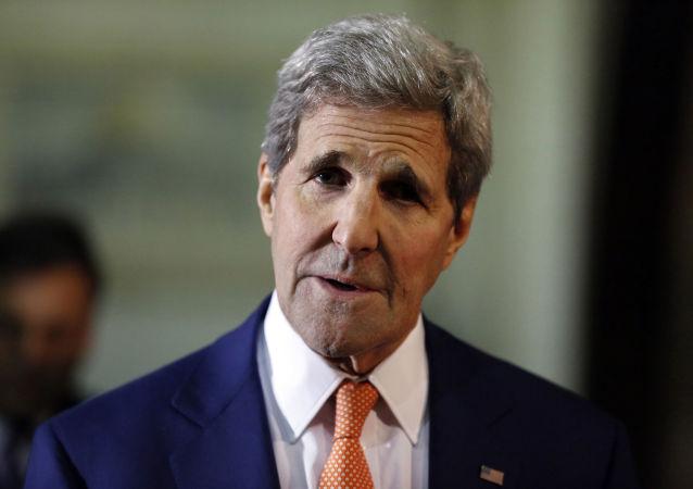 美国务卿:伊朗今日向俄罗斯发运一船低浓缩铀