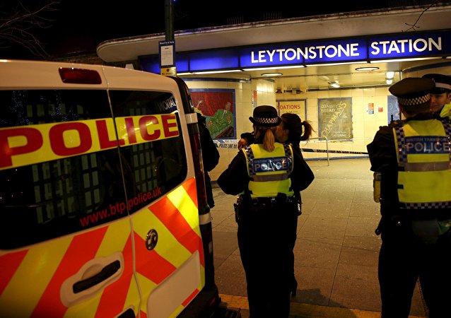 一名男子在伦敦地铁持刀砍人 造成3人受伤