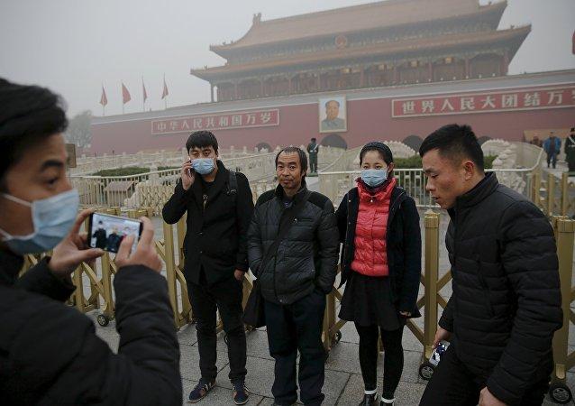 北京中小学因雾霾取消室外活动/资料图片/