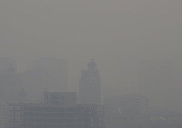 中国环保部:京津冀及周边半数以上城市现空气重度及以上污染 有加重趋势