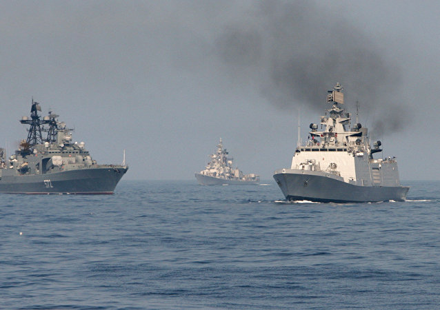 俄印舰艇在因陀罗海军联合演习范围内演练反潜行动