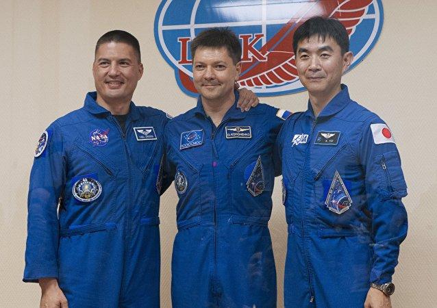 """""""联盟TMA-17M""""号飞船返回舱在哈萨克斯坦境内指定地点着陆"""