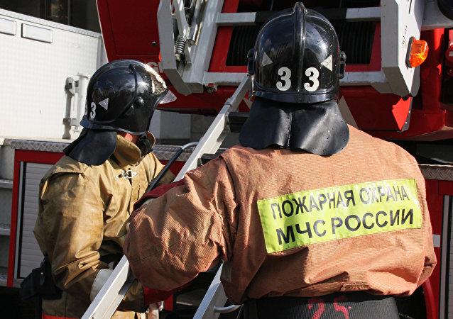 在沃罗涅日市郊的寄宿学校大火造成23人死亡