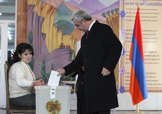 亚美尼亚中央选举委员会证实立宪公投最终结果