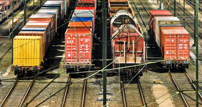 专家:从上海至莫斯科铁路货物运输成本正变得划算
