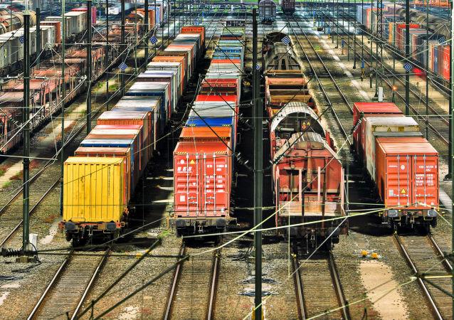 乌克兰发出的货运列车已绕道俄罗斯抵达与中国接壤的终点站