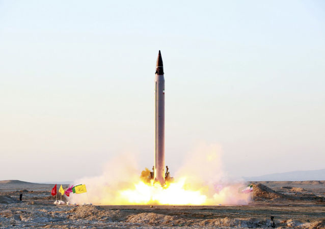 伊朗成功试射了能够击毁2000公里外目标的高精度弹道导弹