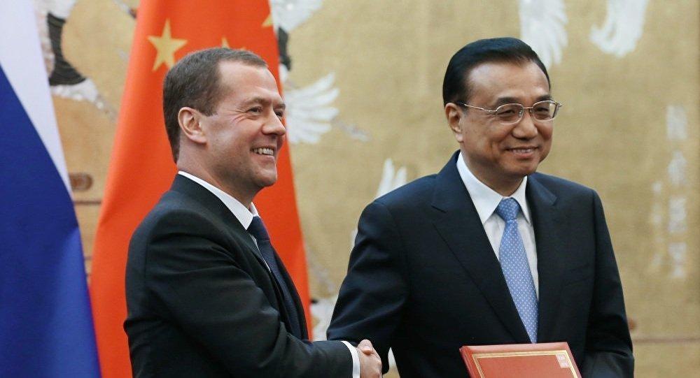 俄总理梅德韦杰夫结束访华,效果显著