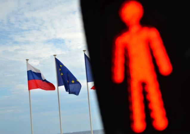 民调:俄三分之二居民支持俄罗斯对美国和欧盟实施反制裁