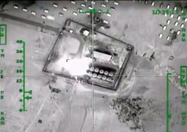 俄国防部:俄空天部队消灭IS在叙利亚拉卡和霍姆斯的四处采油设施